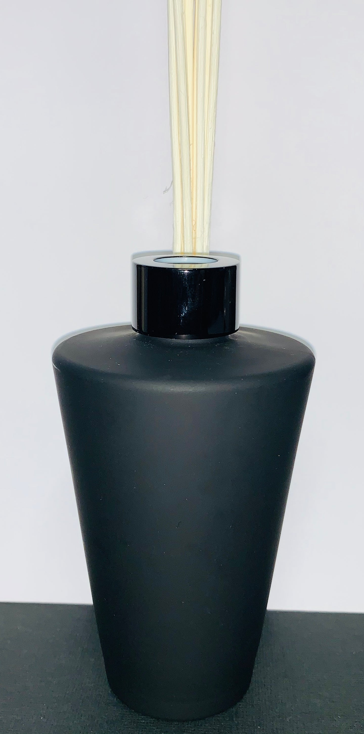 Natural Reed Diffuser - Matt Black Nova