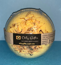 Load image into Gallery viewer, Goats Milk & Honey Bath Bomb