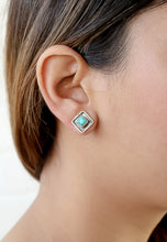 Load image into Gallery viewer, Button Silver Earrings