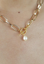 Load image into Gallery viewer, Good Luck Pearl Chain Necklace