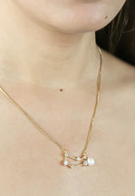 Ladda bilden i gallerivisaren, Gemini Necklace with Pearl