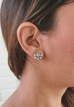 Laai en speel video in Gallery Viewer, Blossom Silver Earrings