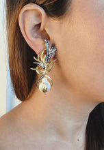 Laai en speel video in die galerykyker, Gazing Pearl Earrings