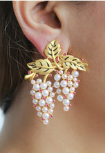 Load image into Gallery viewer, Sultana grapes Earrings