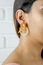 Lataa kuva Gallerian katseluohjelmaan, Golden Rose Statement Earrings