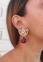 Laai en speel video in die Gallery Viewer, Odra Tribe Earrings