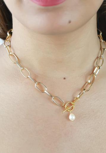 Sterkte Pearl Chain Necklace