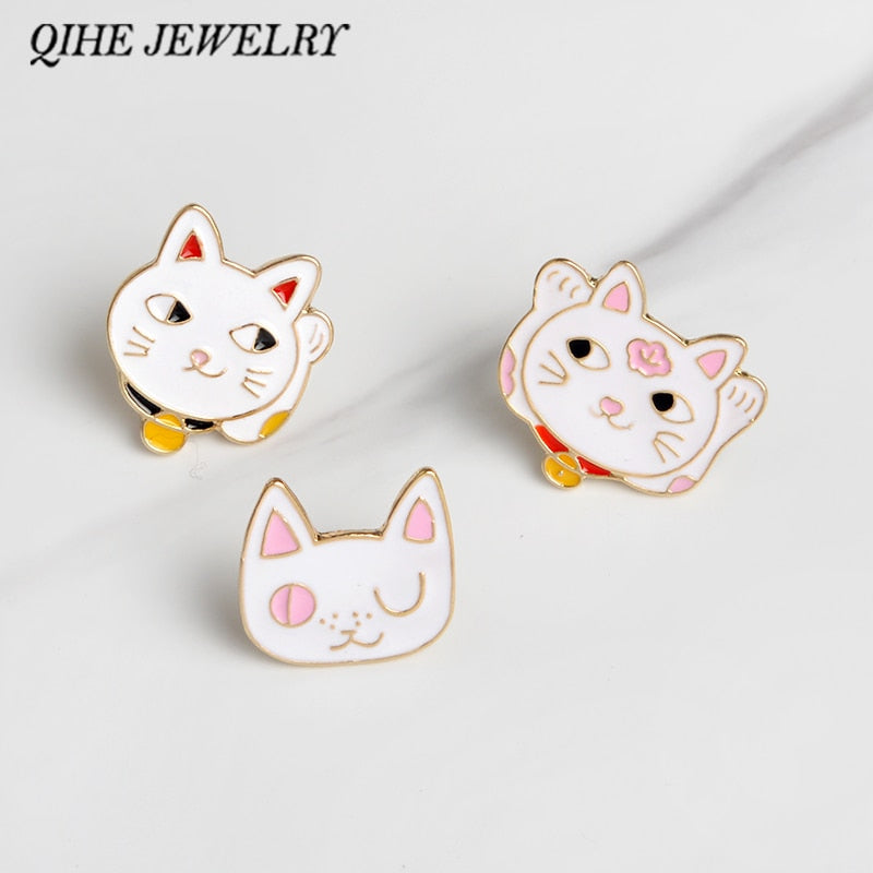 QIHE JEWELRY Brooches & pins Maneki neko Cat pin Enamel pin Cat brooch Japan