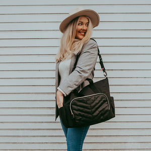 BABYMEL AMBER BLACK | CHANGING BAG | MUM CARRYING  AS SHOULDER BAG