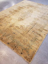 Load image into Gallery viewer, Light side or top view left side of a kirman hand-knotted rug  with medallion colors are very muted and lots of patina
