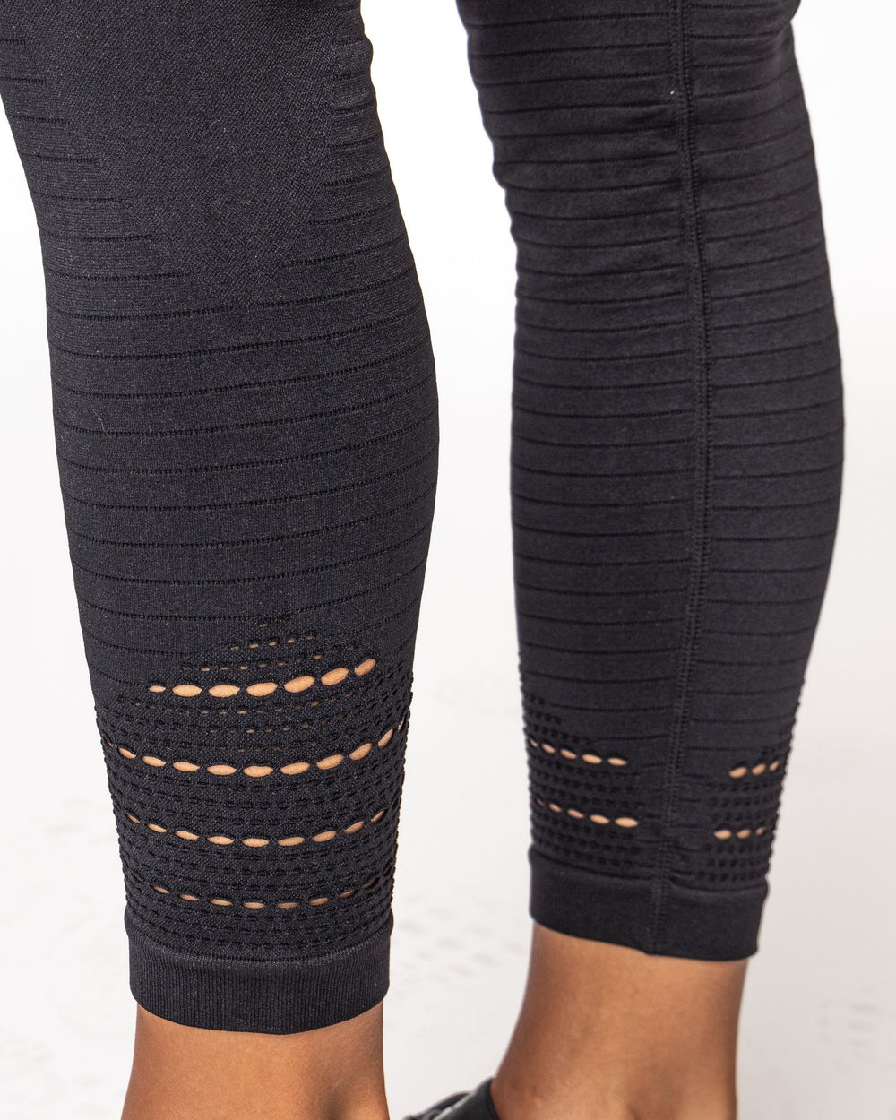 FORM Leggings - Black WOMEN'S LEGGINGS STAIX