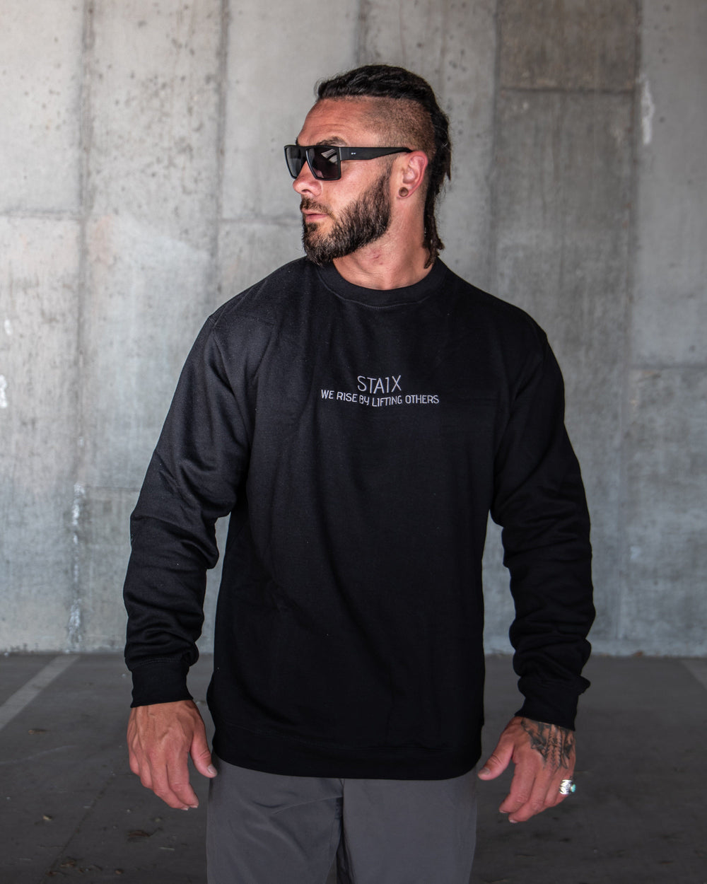 WE RISE Crew Neck - Black STAIX S