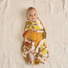 Load image into Gallery viewer, Banabae Organic Cotton  Swaddle - Vege Patch