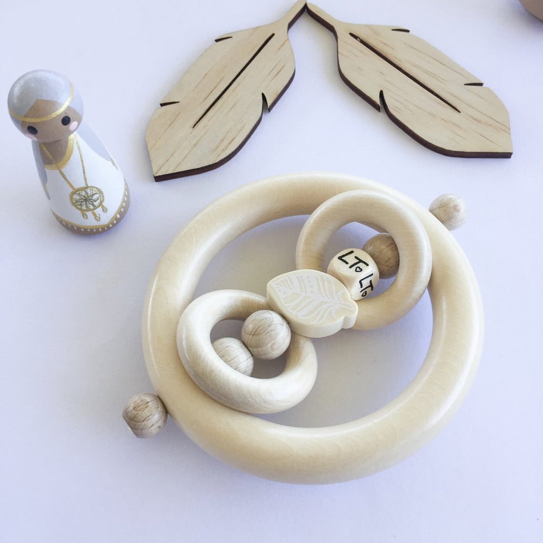 Luna's Treasures - Mini Grasp Ring - Feather Rattle