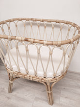 Load image into Gallery viewer, Black Salt Marseille Bassinet