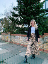 Load image into Gallery viewer, Longline Animal Print Skirt