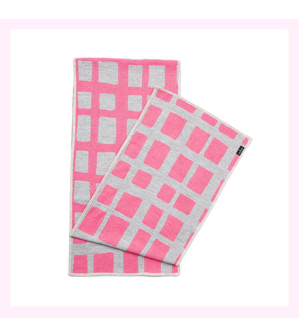 KENSAL CHECK REVERSIBLE MERINO WOOL SCARF HOT PINK & GREY