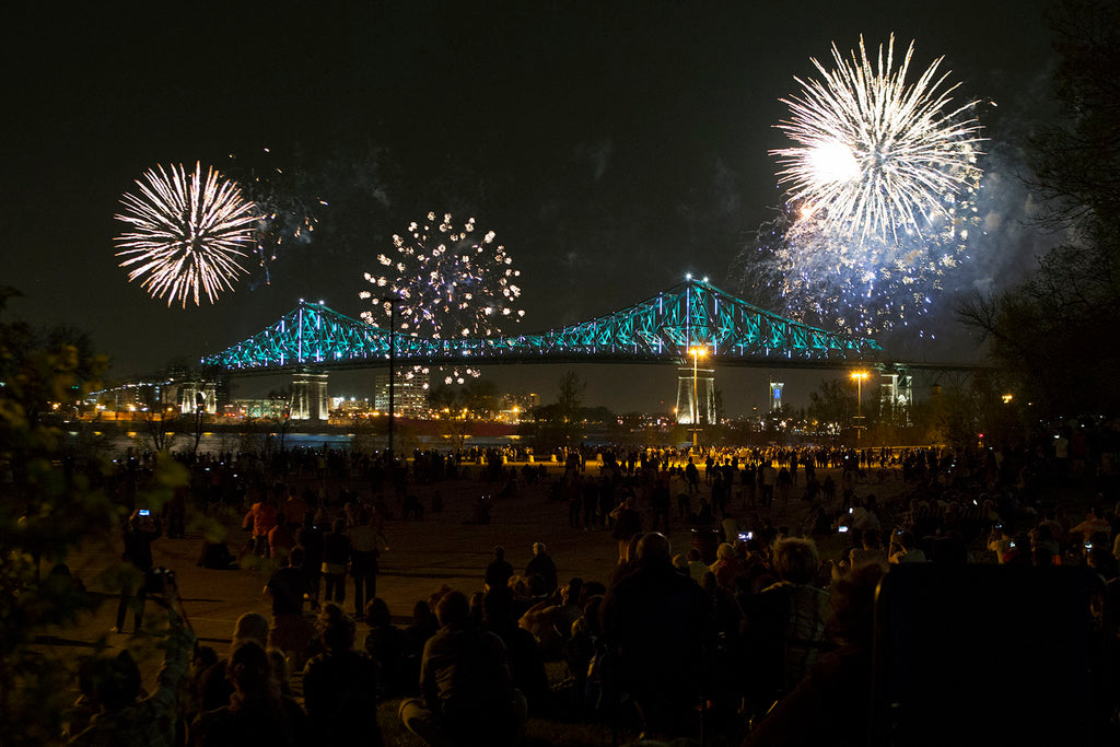 Pont Jacques Cartier Bridge Feux d'artifices Fire works Montreal