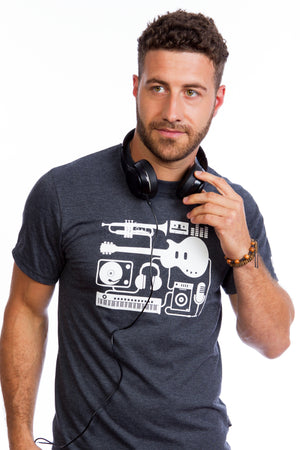Music instruments musica guitarra instrumentos T-shirt Tee Graphic keyboard piano headphones cassette turntable dj trompette gray sound studio musique