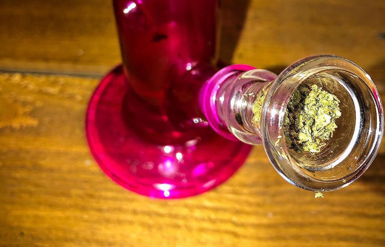 12 Best Girly Bongs in the World Right Now!