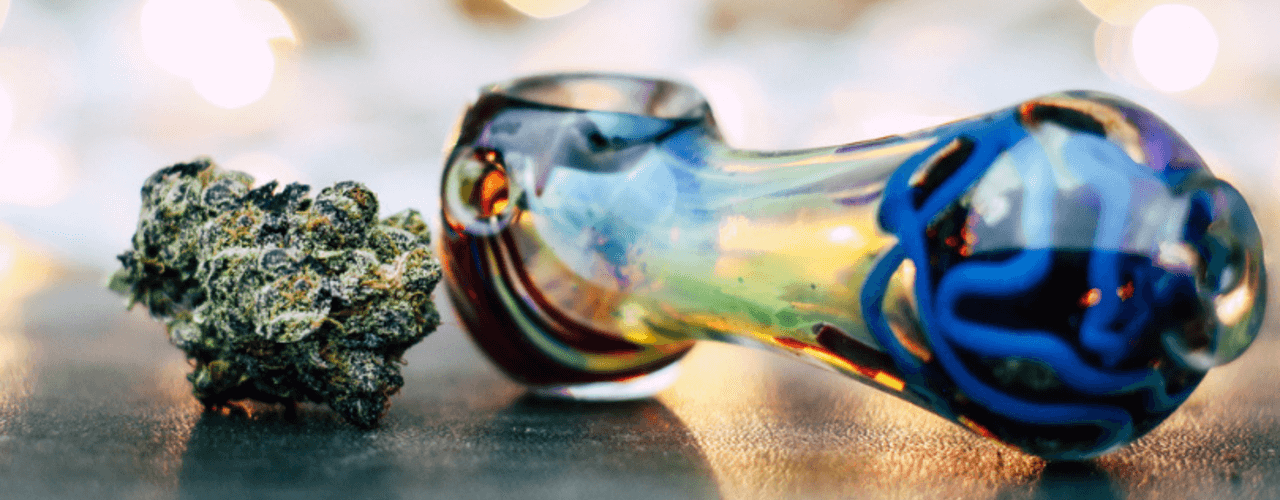 How to Clean a Glass Pipe in Less Than 3 Minutes - The