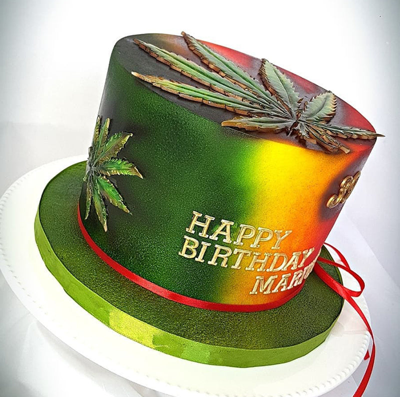 A weed birthday cake, image from My Cake's Revolution on Instagram