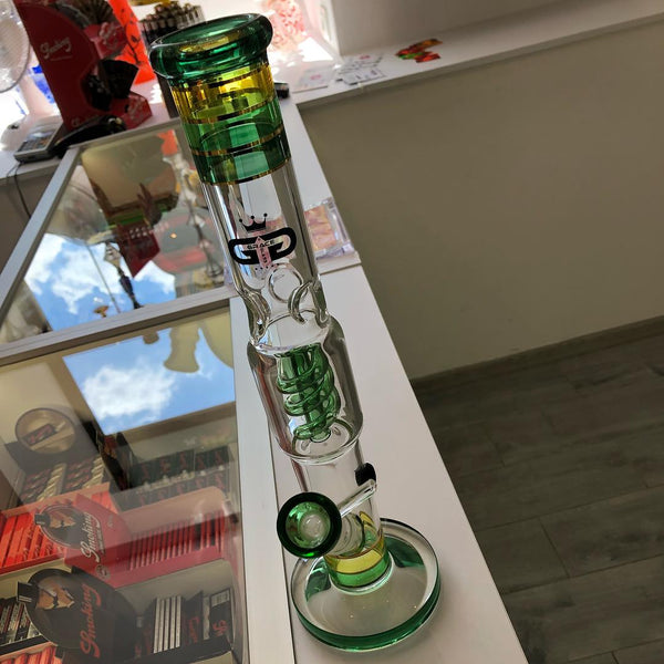bong glass cannabis smoke