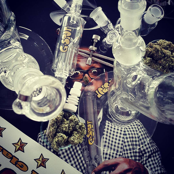 bong glass smoke cannabis