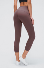 Load image into Gallery viewer, Shape Of You High Waist Capri Legging