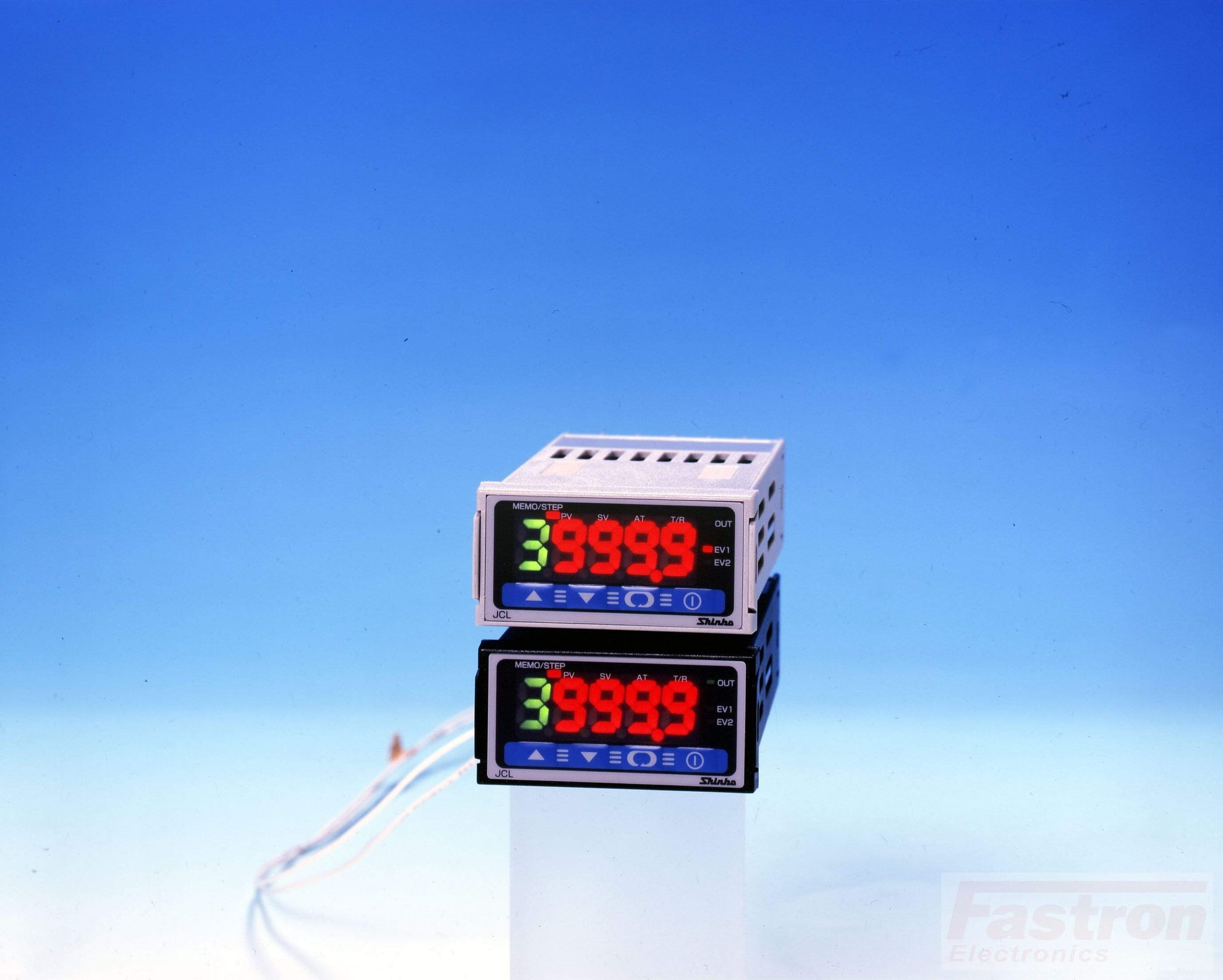 JCL33AR/M1 Temperature Controller, 48x24mm, 24VAC/DC, Relay output, 9 step pattern