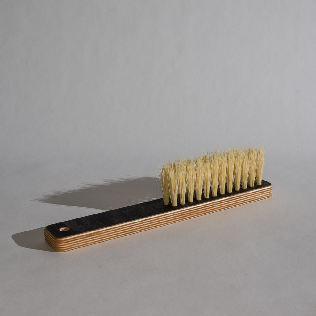 Counter Brush / Black Birch Tampico