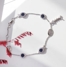 Load image into Gallery viewer, Dainty Charm Bracelet