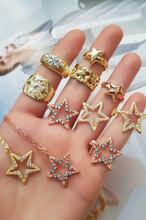 Load image into Gallery viewer, Star Necklace