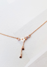 Load image into Gallery viewer, Rose Gold Blossoming Necklace