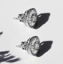 Load image into Gallery viewer, Dainty Stud Earrings