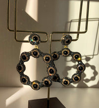 Load image into Gallery viewer, The Black Silver Daisy Earrings With Swarovski Stones