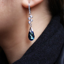 Load image into Gallery viewer, Swarovski Drop Earrings