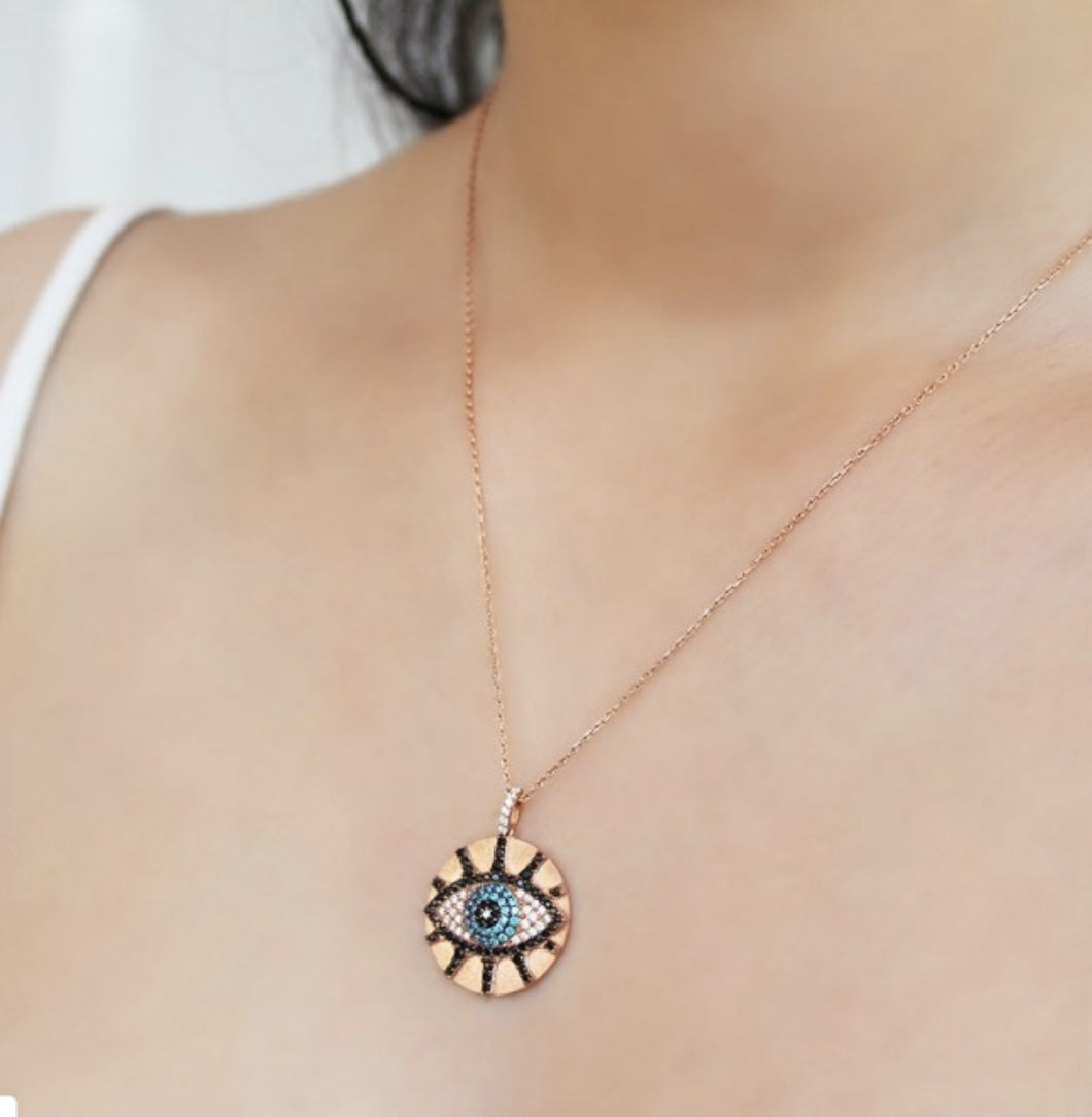 Round Eye Necklace