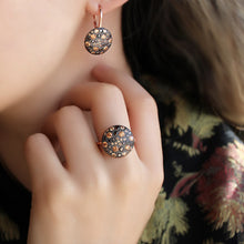 Load image into Gallery viewer, Black Zircon Stone Round Earrings