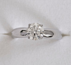 Solitair round brilliant cut diamond ring