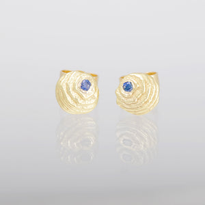 Sapphire and gold earstuds 7mm Sepia collection Karin Kraemer