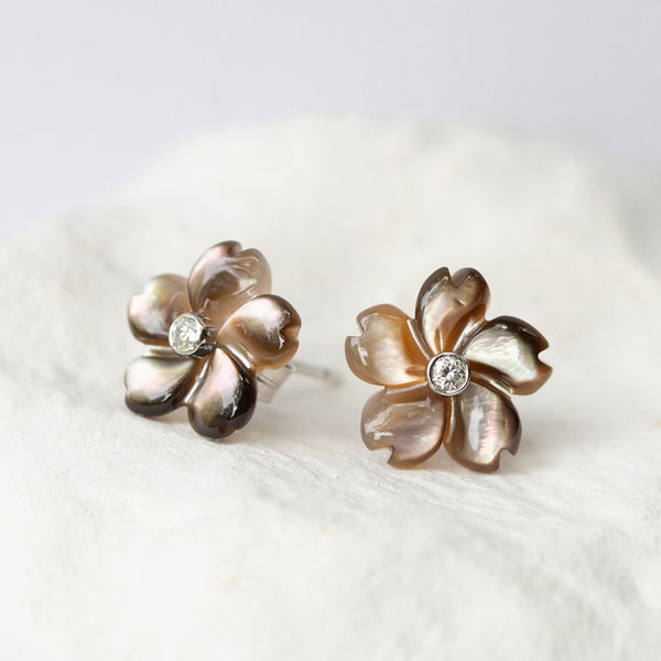 Caramel Coffee brown Flower earstuds mother of pearl diamond and 18kt gold stud fittings