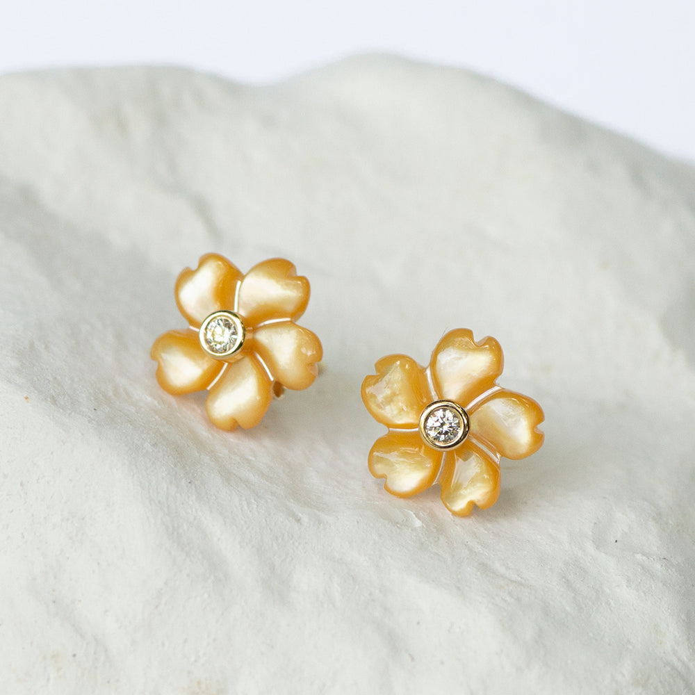 Canary yellow flower earstuds diamond set yellow gold