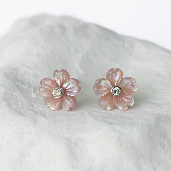Sakura pink mother-of-pearl flower studs diamond and  18kt white gold