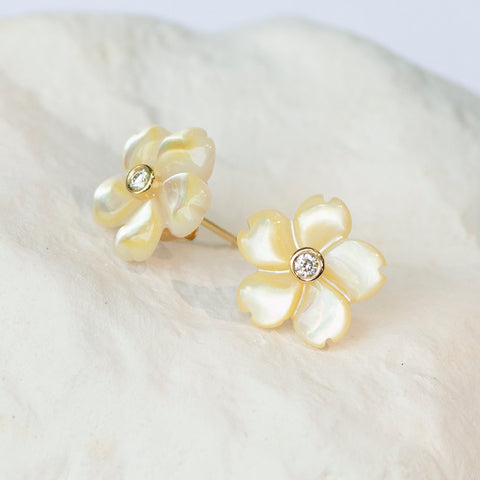 Light creamy yellow flower earrings mother of pearl with diamonds in yellow gold