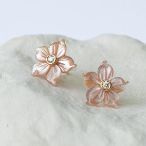 Blush pink Casablanca Lily earrings small