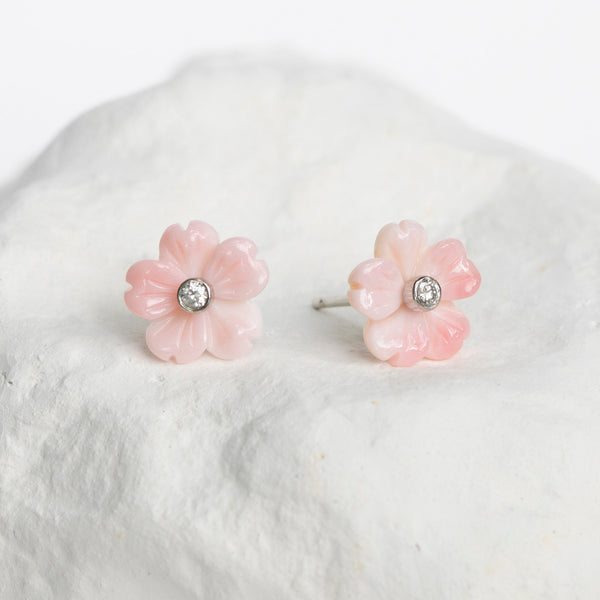 Queen conch shell earrings light pink white gold diamonds
