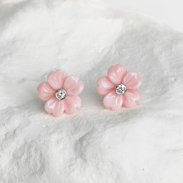 Queen conch shell earrings light pink
