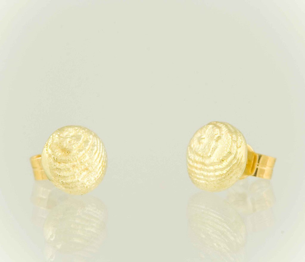 Sepia earstuds 18kt gold