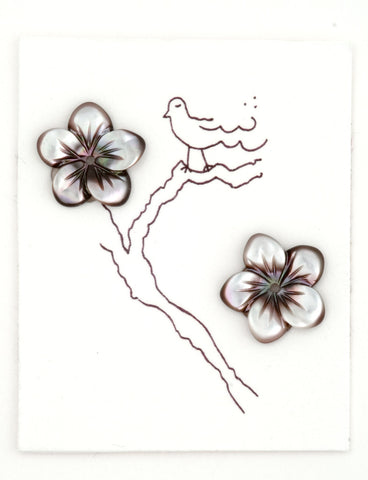 Pair of grey Tahiti MOP flowers 12mm